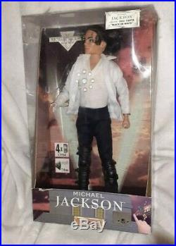 Rare MICHAEL JACKSON King of Pop 12 SINGING DOLL BLACK OR WHITE by STREET LIFE